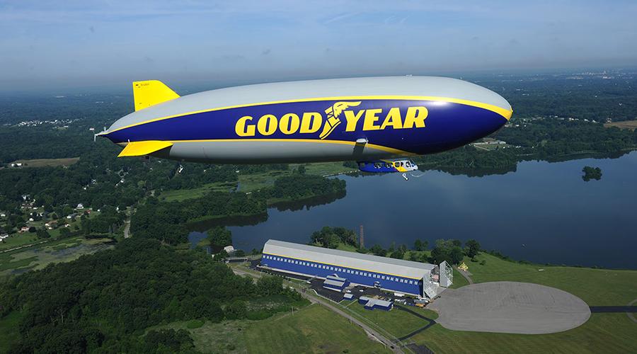 Goodyear-Blimp-12.jpg